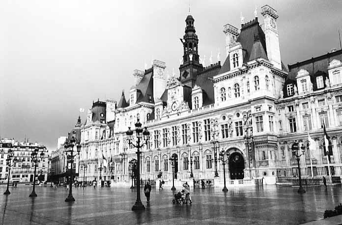Photos paris in black and white hotel de ville for Hotel deville paris