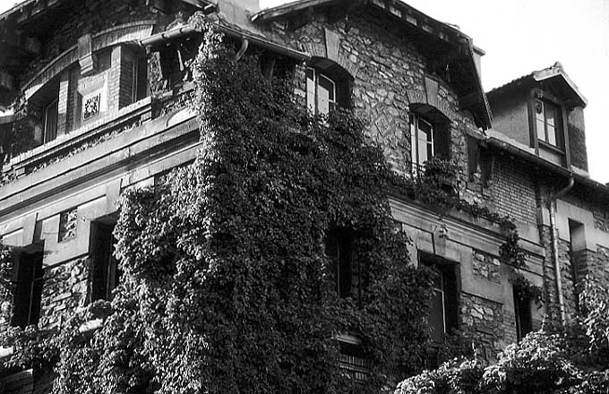 Paris photos in black and white - Montmartre - Villa