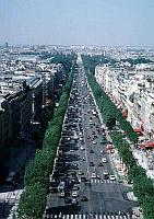 Paris photos - Champs Elys�es as seen from the Arc de Triomphe