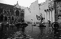 Paris black and white photos - Beaubourg - Fountain