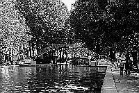 Paris black and white photos - Canal Saint Martin