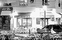 Paris black and white photos at night - �le Saint Louis - Caf�
