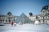 Paris photos - Louvre and Pyramid