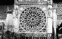 Paris black and white photos at night - �le de la Cit� - Notre Dame