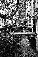 Paris black and white photos - Od�on - Courtyard